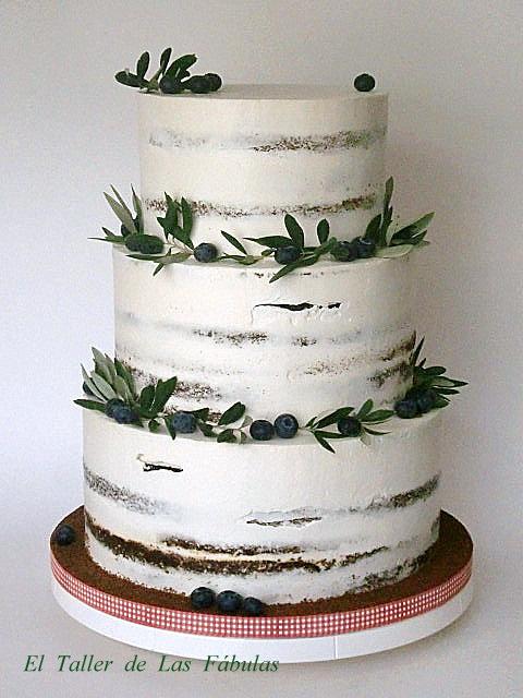 Wedding Naked Cake . Olivo y arándanos.